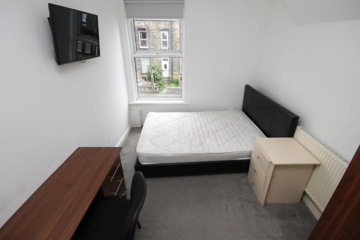 Room 5 (3)
