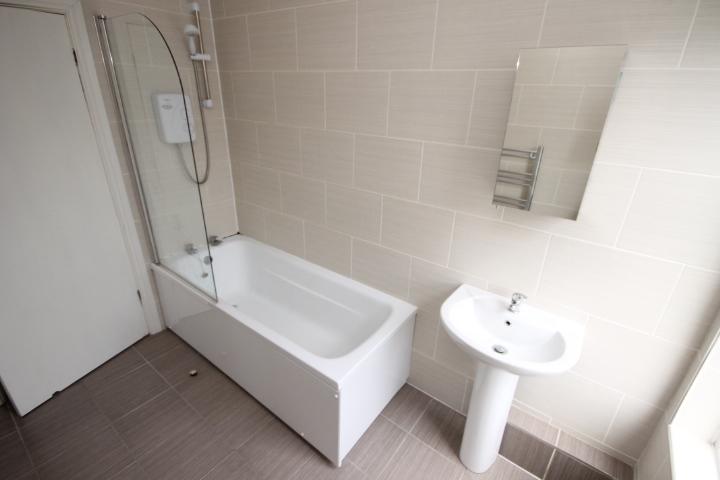 first-floor-bathroom-2